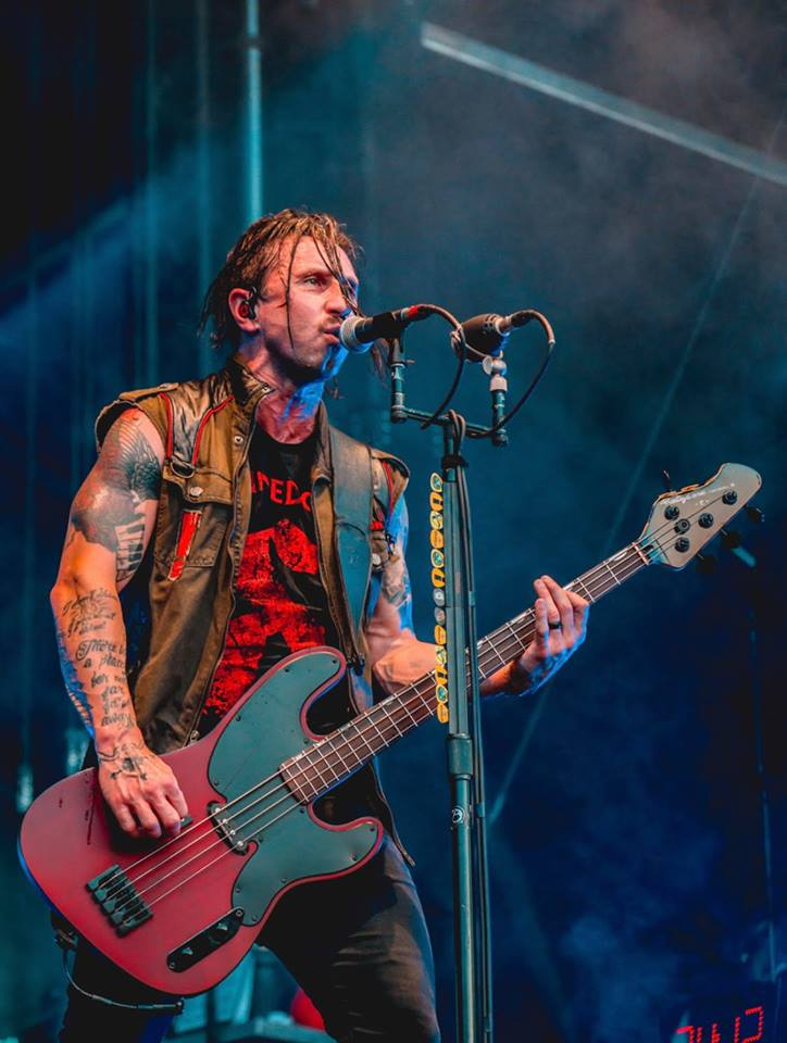 Eric Bass - Shinedown